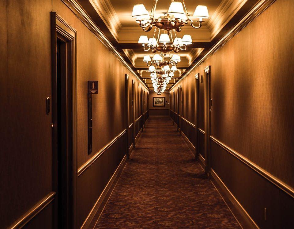 wykładzina w hotelu